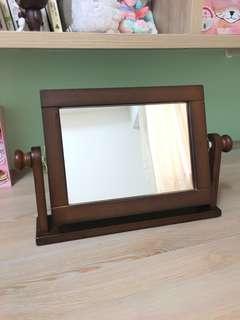 木頭桌上鏡
