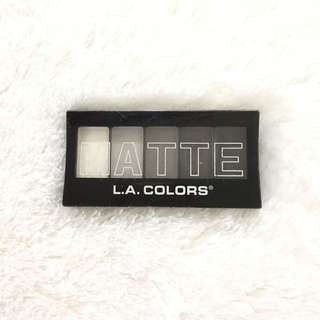 Gratis La Colors matte eyeshadows