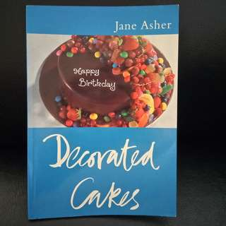 Book: Decorated Cakes