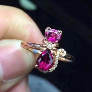 18K金鑲嵌鑽石 鮮豔色彩雙拼碧璽小貓戒指