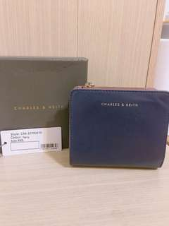 🚚 CHARLES & KEITH 《小CK》短夾海軍藍 CK6-10700270