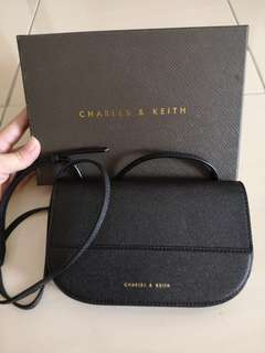 Authentic CHARLES & KEITH | Black Curved Edge Wallet