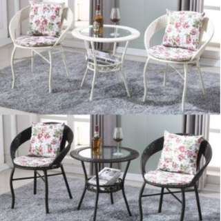 Outdoor/Indoor Rattan Table & Chairs