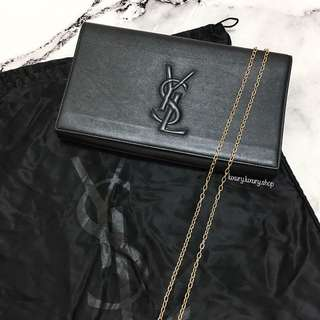 YNES SAINT LAURENT Clutch