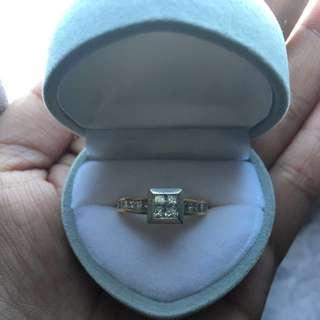 Princess Cut Engagement Ring - 18k