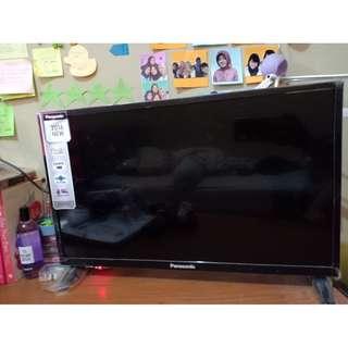 Tv LCD Panasonic 22inch Viera d305 series