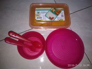 Alat makan set IKEA dan lunch box