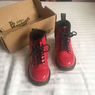 Authentic DMs for toddler