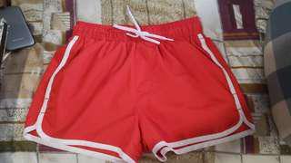 H&M 紅色短身沙灘褲
