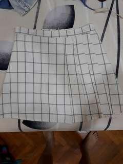 High waiat grid skirt