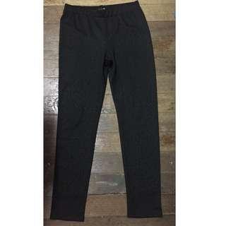 Forever 21 black leggings (thick, printed)