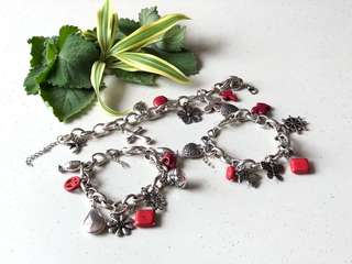Coral Bracelet with charms (silver)