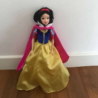 Disney princess snowwhite