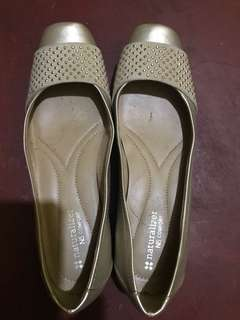 Naturalizer Flats worn only 2x. Very comfortable fit. #garagesale3