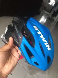 Bicycle Helmet Btwin700