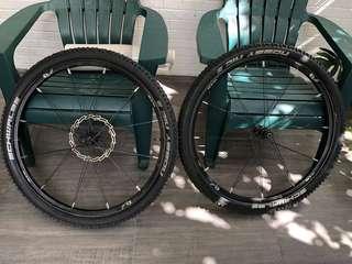 Crank Bros Cobalt WheelSet  with Tires