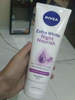 Nivea extra white night nourish body serum