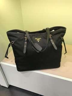 歐洲代購連線中 Prada 女裝手袋 預訂