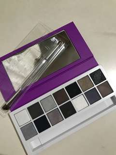 Clinique Eyeshadow Palette 14 colors