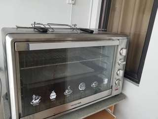 Hesstar Oven New Condition