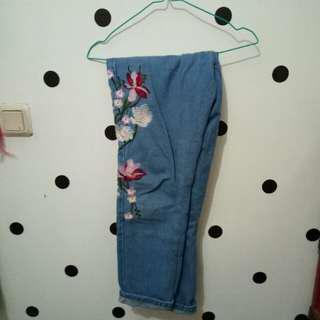 Celana jeans bunga (bordir)