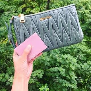Miu Miu 淺綠色 Pouch Bag