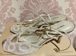 Gibi Shoes Gold Sparkle Size 7