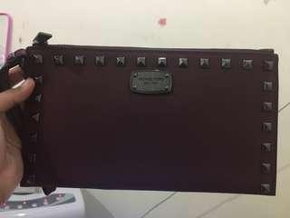 [Authentic] Michael Kors Saffiano Stud Studded Zip Clutch