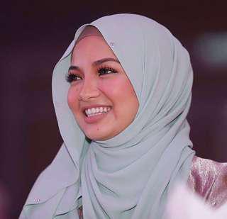 Precious by Naelofar Hijab