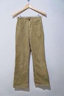 Celana Corduroy Khaki