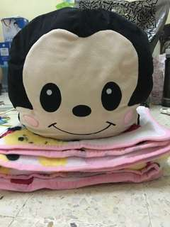 Mickey pillow & blanket 2in1