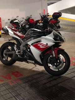 YZF Yamaha R1