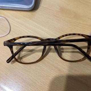琥珀色眼鏡 (可佩鏡片)