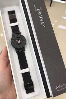 限量版👑熊本熊🐻 【🇺🇸EONE】專利設計-沒有鏡面,全球首創 磁力觸感石英腕表!40mm錶盤 瑞士機芯 鈦金屬外殼 內外圈滖動式鋼珠 50米防水 全球聯保1年