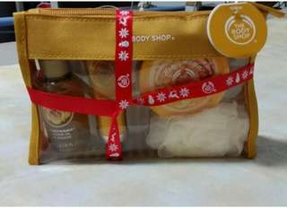 The Bodyshop Honeymania Gift Set
