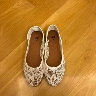 減價‼️SALES‼️ H&M White Lace Ballet Pumps Flat Shoes