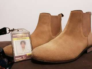 Urban Outfitters Tan Chelsea Boota
