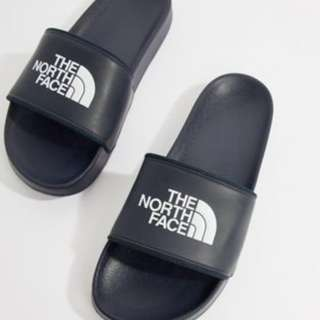 🚚 The North Face Sliders