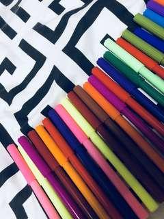 Marker Pens Set