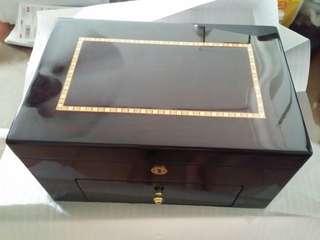 Hi end 20 slots Wooden Storage Box