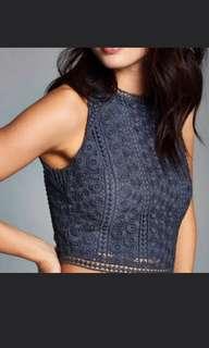 A&F 深藍色lace短身 top