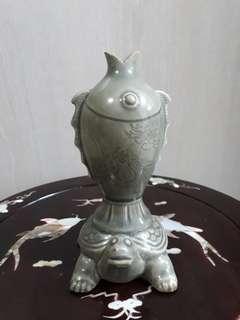 Porcelain for display