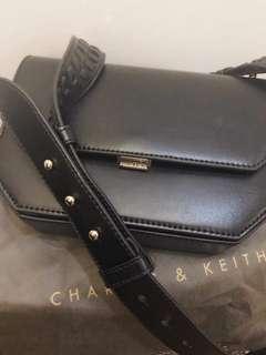 Orginial sling body bag with dustbag