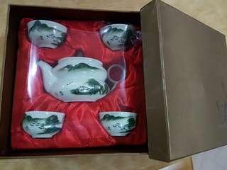 Oriental teapot set