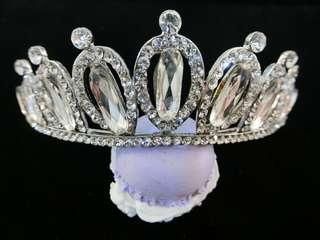 🚚 新娘皇冠