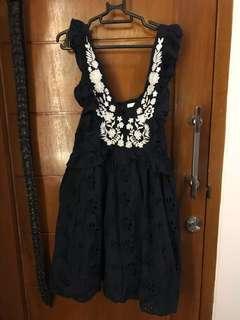ruffle embroidery dress