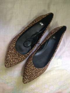 H&M Flat Shoes Pointed Shoes
