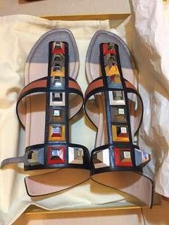 型格Fendi 涼鞋