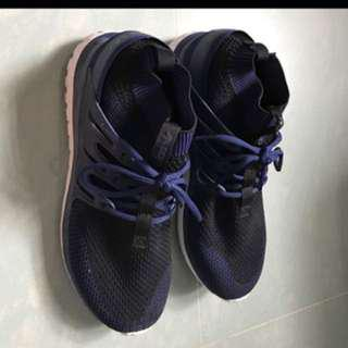 特價: New adidas tubular dark blue