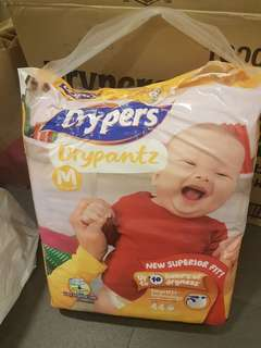 Drypers Diapers (Drypantz M) Opened. took 1 out